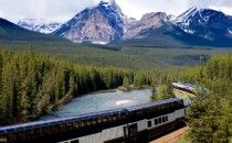 rocky-mountains-train
